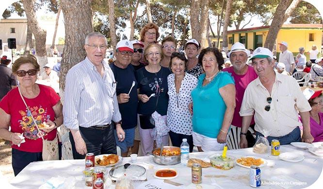 Los mayores se reúnen en Los Urrutias